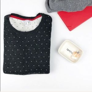 Sweaters - Grey crewneck sweater with hearts size M